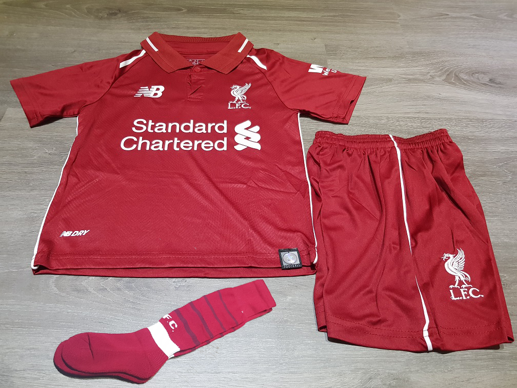 c9904d882b5 ... Liverpool 18 19 Home Kids Set With Socks ...